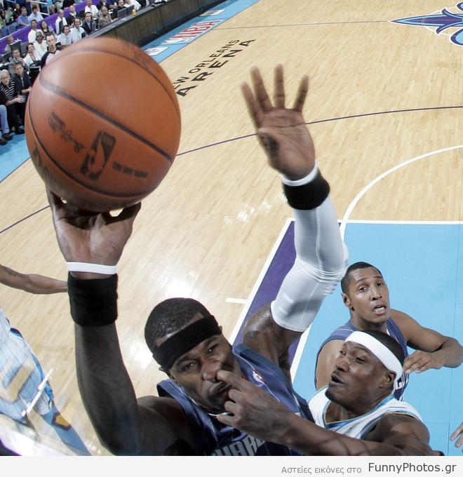 Ξύσιμο μύτης στο NBA
