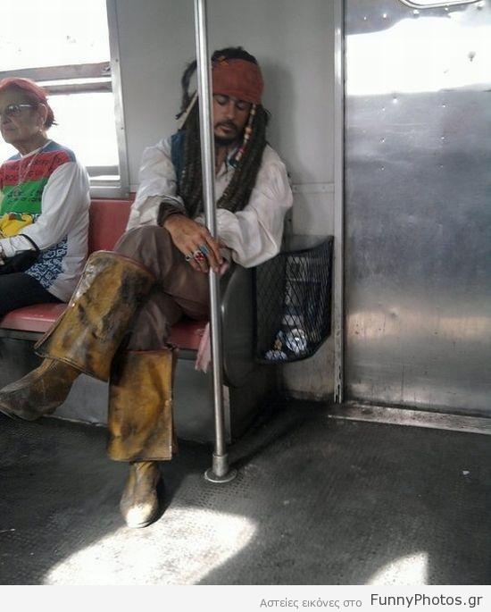Ο Jack Sparrow στο μετρό